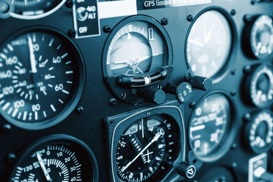 Обучение пилотированию и продажа самолетов Cessna, вертолетов Robinson